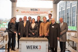 gruppenbild grundsteinlegung web 300x200 - Foundation stone laid at Werk 3 - the new creative quarter in the east of Munich!