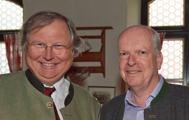 heller & partner CEO Prof. Dr. Stephan Heller und Flughafen Geschäftsführer Thomas Weyer