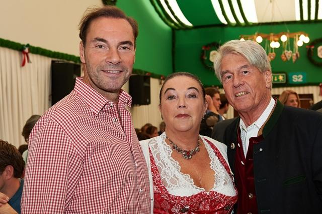 Wolfram Winter Monia Carroni Riedl und Gerhard Riedl 640x480 - Das heller & partner Armbrustschießen 2018